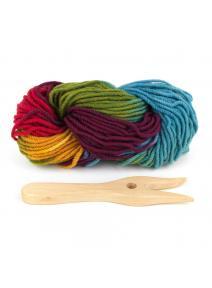 Tejedor de cadenetas con lana orgánica