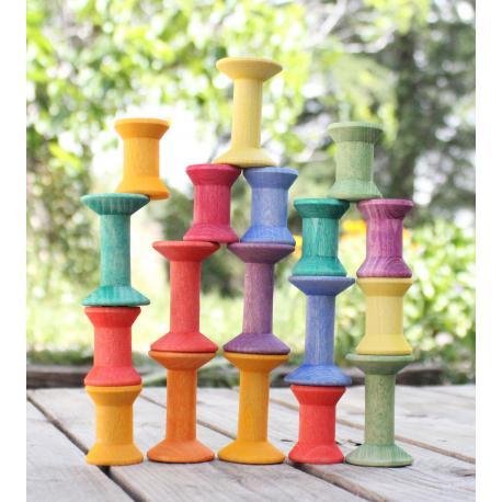 Carretes de madera arco iris