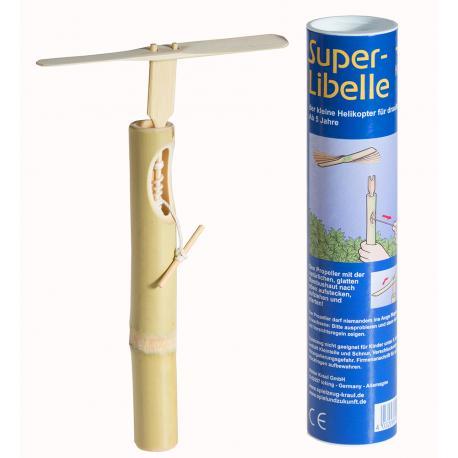 Super libélula de bambú