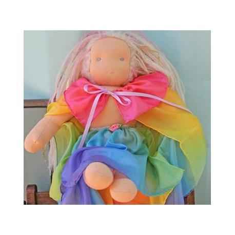 Capa arco iris para muñeca
