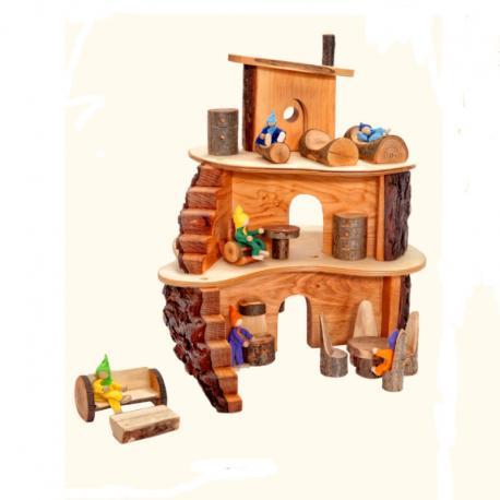 Casa de madera con corteza