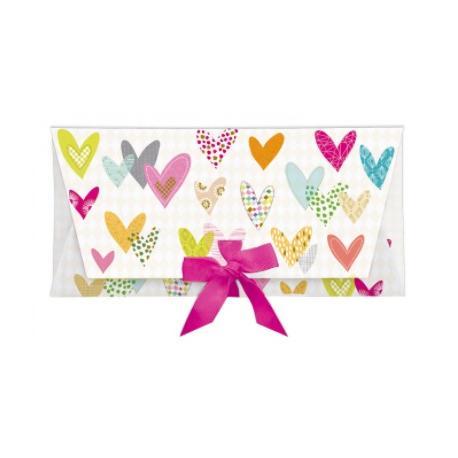 Sobre regalo con tarjeta corazones