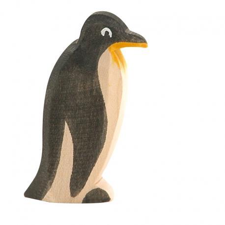 Pingüino de frente.